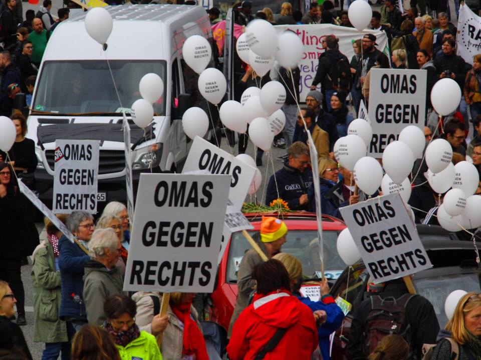 United Against Racism – Antiracist Parade – OMAS GEGEN RECHTS – Foto: Jim Bell